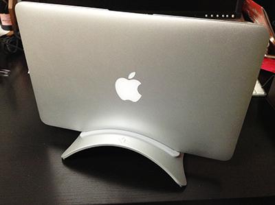 MacBook AirをBookArkに乗せてみました